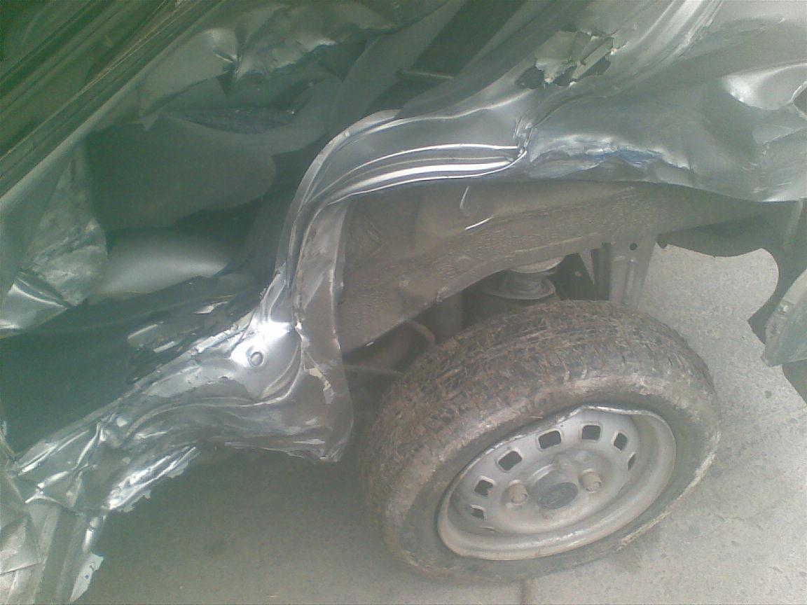 Daewoo Matiz avariat 2004 Benzina Hatchback - 18 Decembrie 2010 - Poza 3