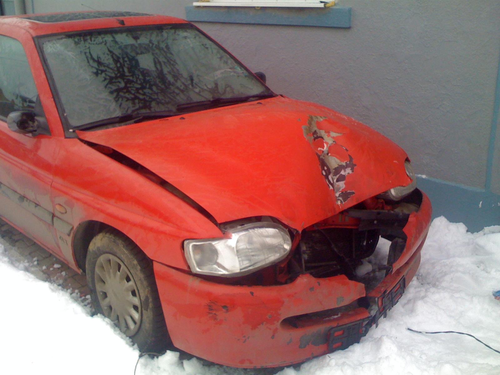 Ford Escort avariat 1995 Diesel Hatchback - 09 Ianuarie 2011 - Poza 5