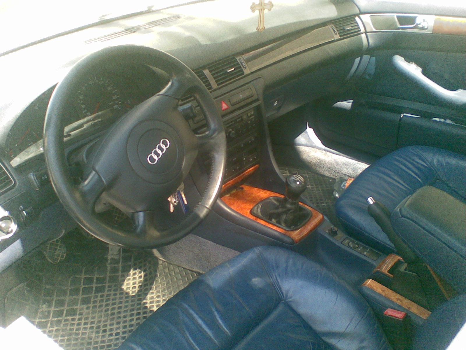Audi avariat 1998 Diesel Berlina - 12 Februarie 2011 - Poza 3