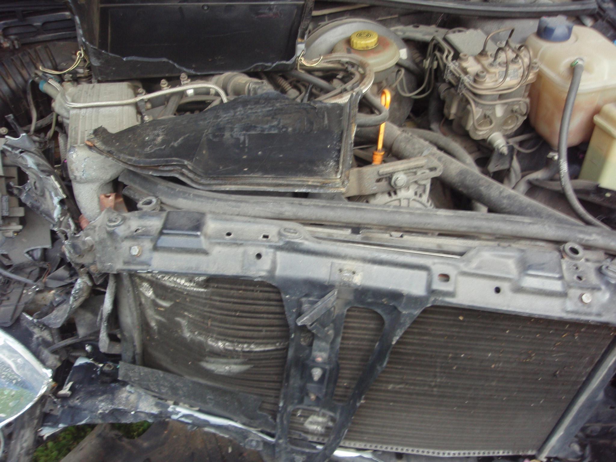 Audi 80 avariat 1993 Benzina Berlina - 25 Iulie 2011 - Poza 4