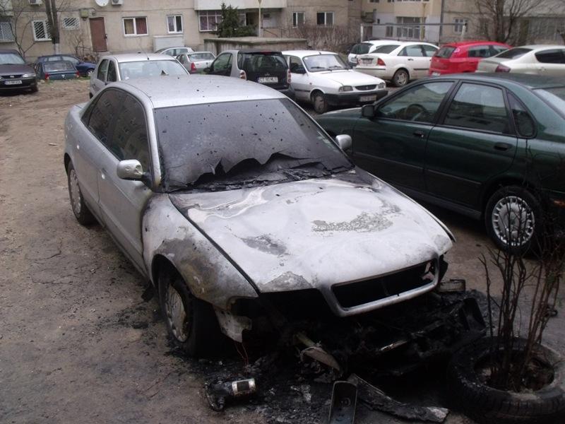 Audi A4 avariat 1998 Diesel Berlina - 02 Aprilie 2011 - Poza 4