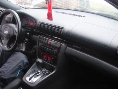 Audi A4 avariat 2000 Diesel Berlina - 31 Ianuarie 2011 - Poza 2