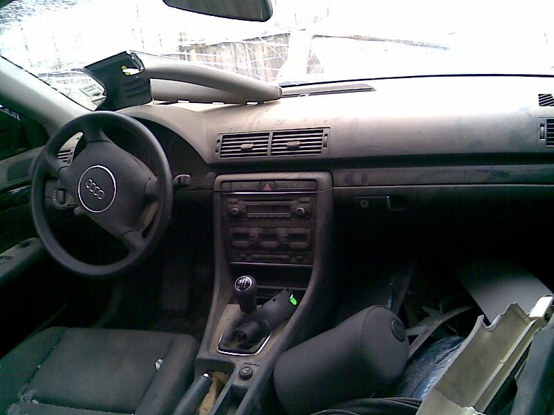 Audi A4 avariat 2004 Benzina Berlina - 31 Martie 2011 - Poza 4