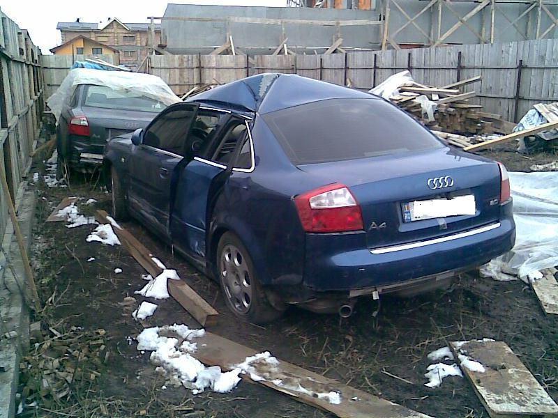Audi A4 avariat 2004 Benzina Berlina - 31 Martie 2011 - Poza 2