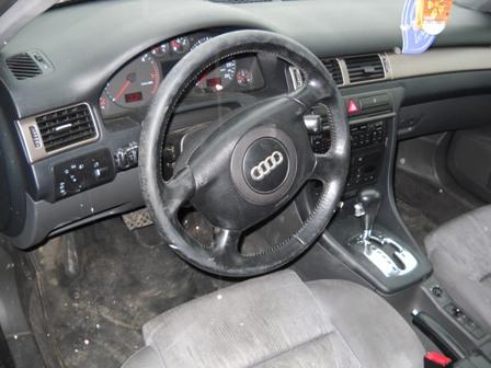 Audi A6 avariat 2001 Diesel Berlina - 16 Februarie 2011 - Poza 1