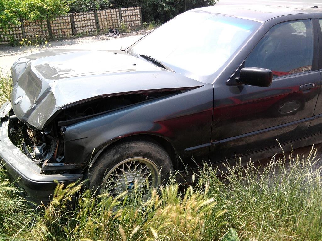 BMW 316 avariat 1993 Benzina Berlina - 24 Iunie 2011 - Poza 1