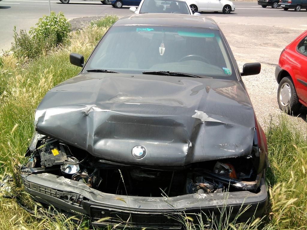BMW 316 avariat 1993 Benzina Berlina - 24 Iunie 2011 - Poza 3