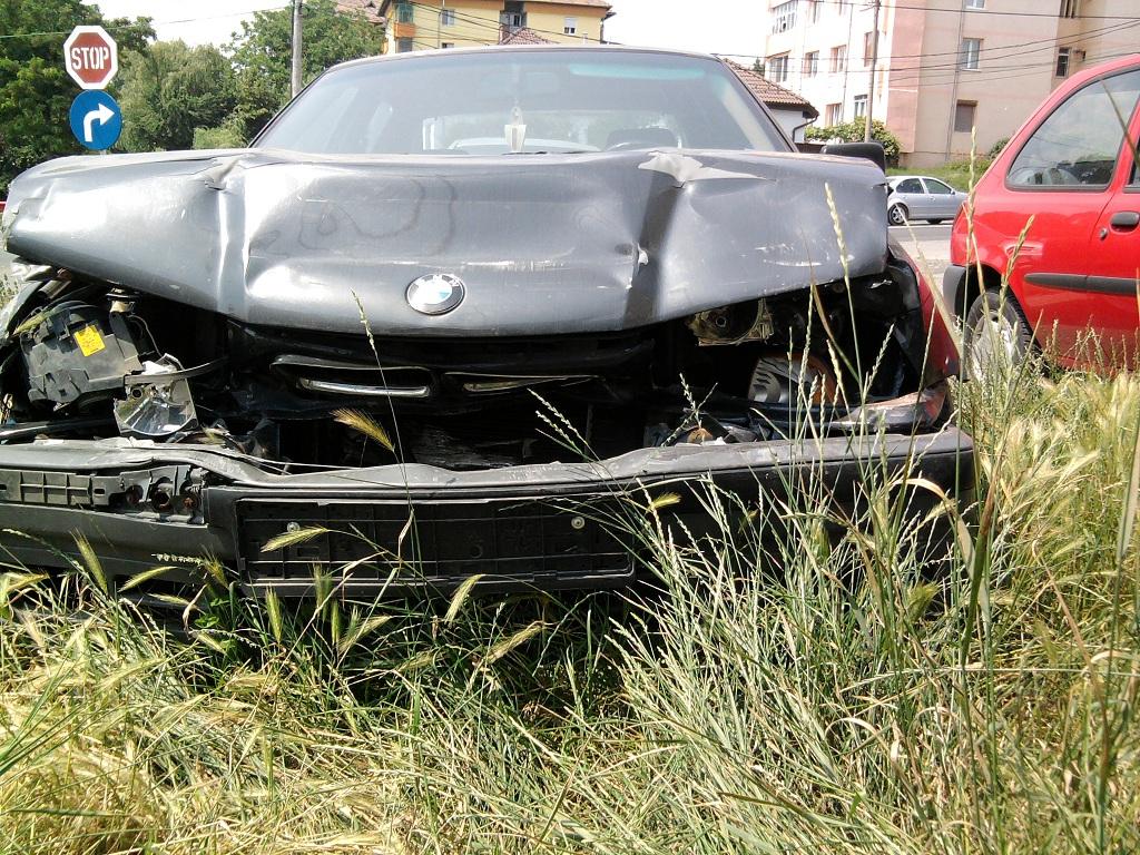 BMW 316 avariat 1993 Benzina Berlina - 24 Iunie 2011 - Poza 2