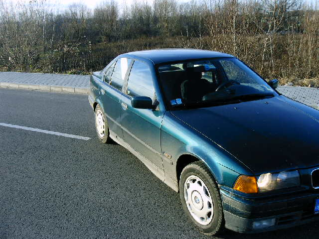 BMW 316 avariat 1996 Benzina Berlina - 12 Mai 2011 - Poza 1