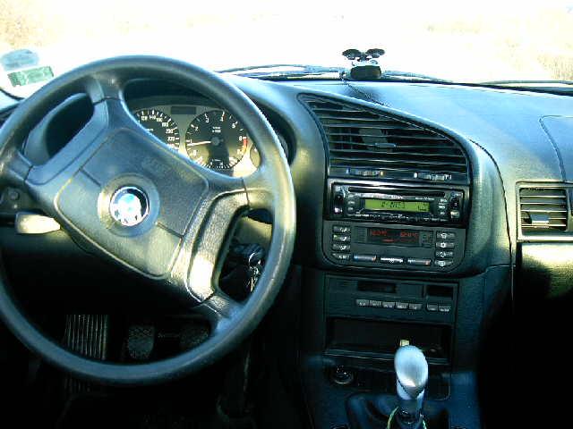 BMW 316 avariat 1996 Benzina Berlina - 12 Mai 2011 - Poza 3
