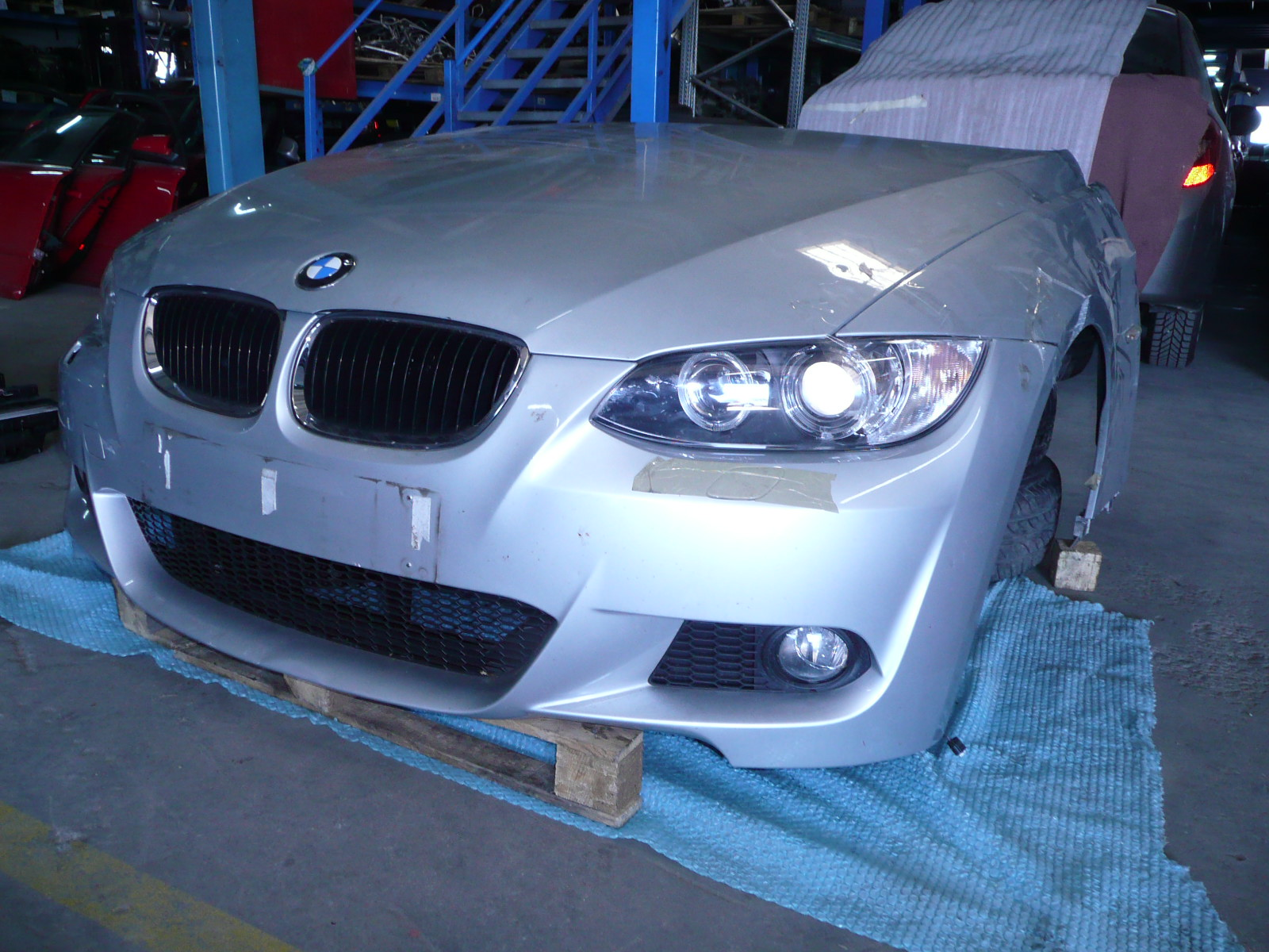 Bara fata, capota, aripa BMW 320 - 04 Septembrie 2012 - Poza 1