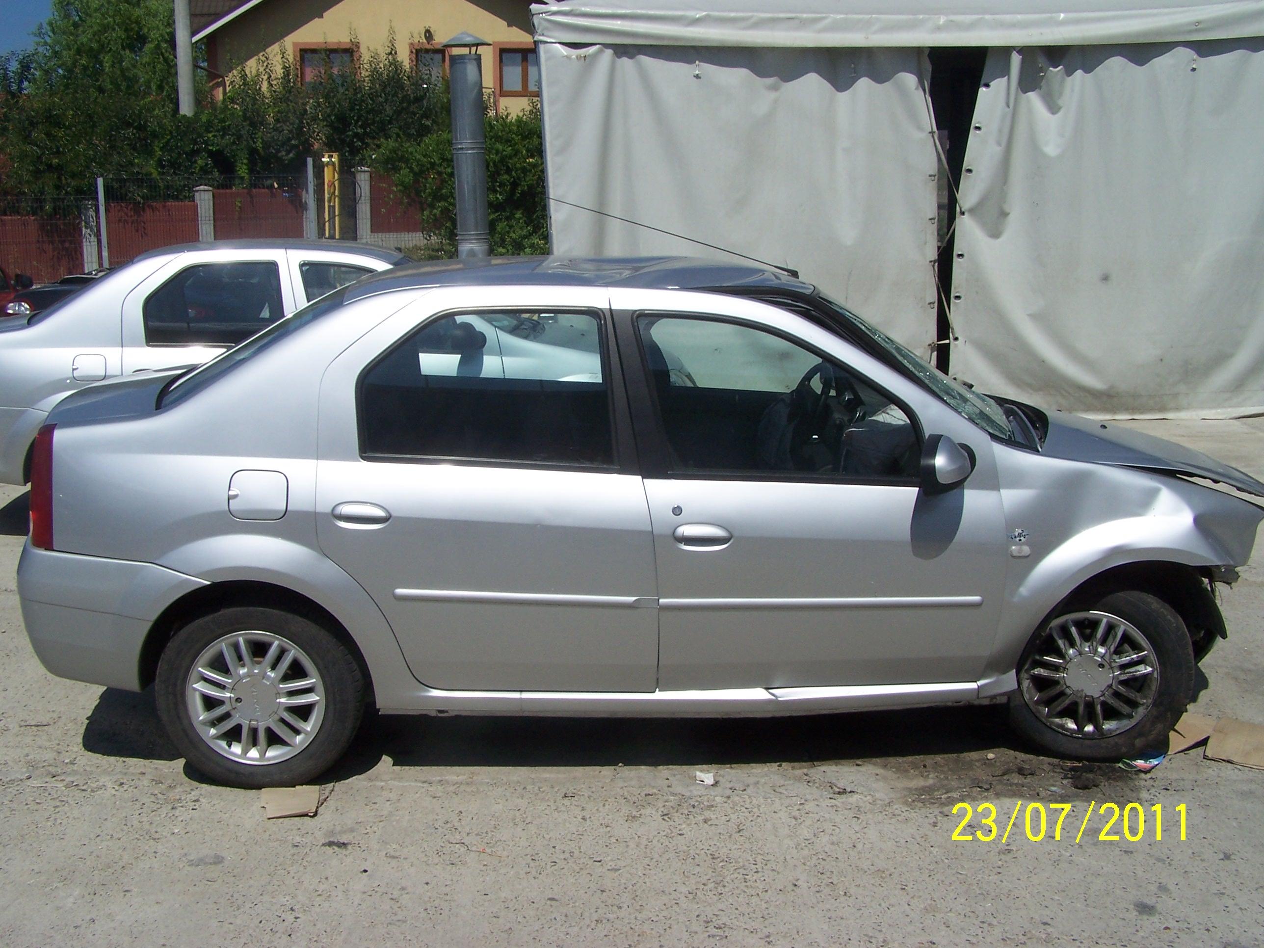 Dacia Logan avariat 2008 Diesel Berlina - 31 Iulie 2011 - Poza 5