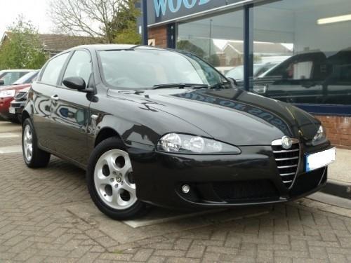 Dezmembrez Alfa Romeo 147 - Poza 1