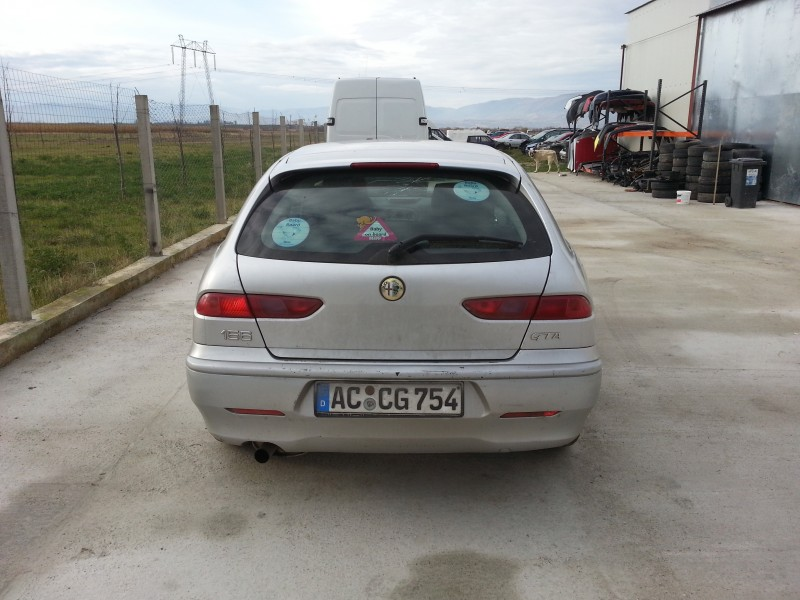 Dezmembrez Alfa Romeo 156 - Poza 2
