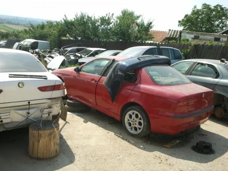Dezmembrez Alfa Romeo 156 - Poza 3