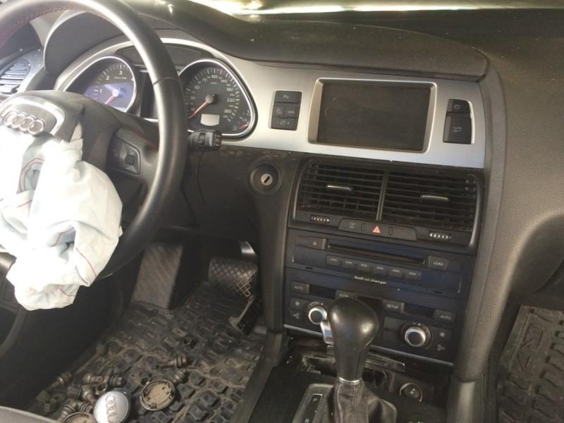 Dezmembrez Audi Q7 - Poza 2