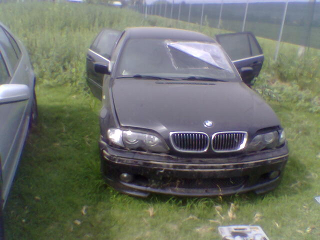 Dezmembrez BMW 330 2002 Diesel Combi - 20 Iulie 2011 - Poza 2