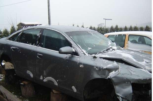 Dezmembrez BMW 330 2004 Benzina Berlina - 28 Ianuarie 2013 - Poza 1