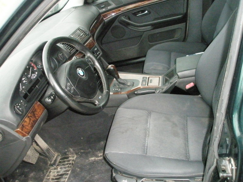 Dezmembrez BMW 525 - Poza 1