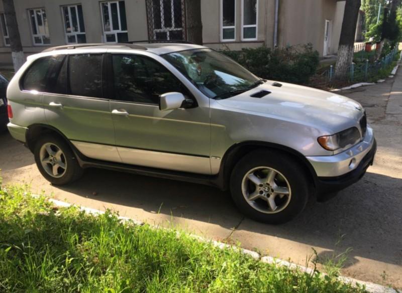 Dezmembrez BMW X5 - Poza 4