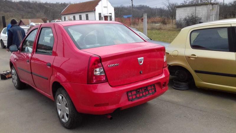 Dezmembrez Dacia Logan - Poza 4