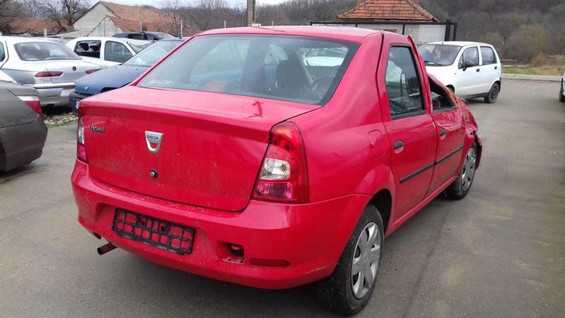 Dezmembrez Dacia Logan - Poza 3