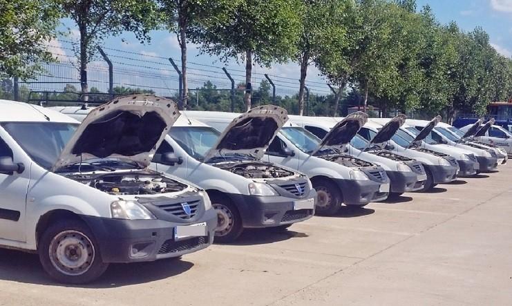 Dezmembrez Dacia Logan - Poza 1
