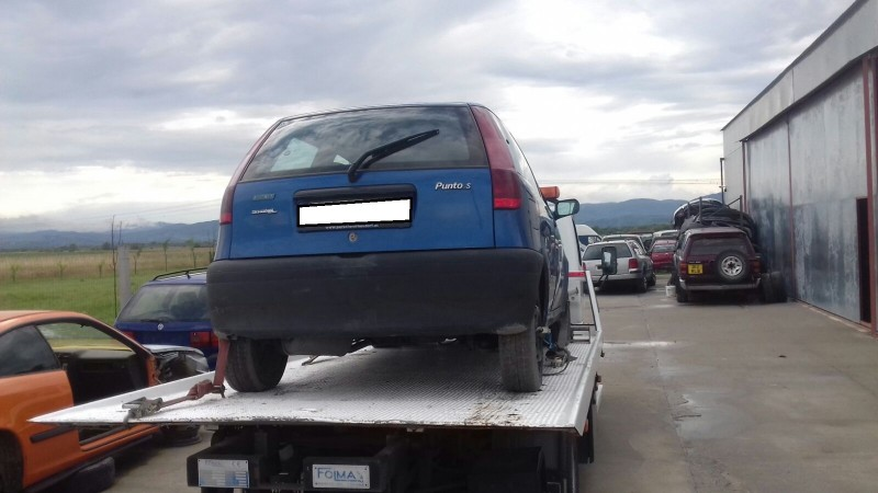 Dezmembrez Fiat Punto - Poza 2