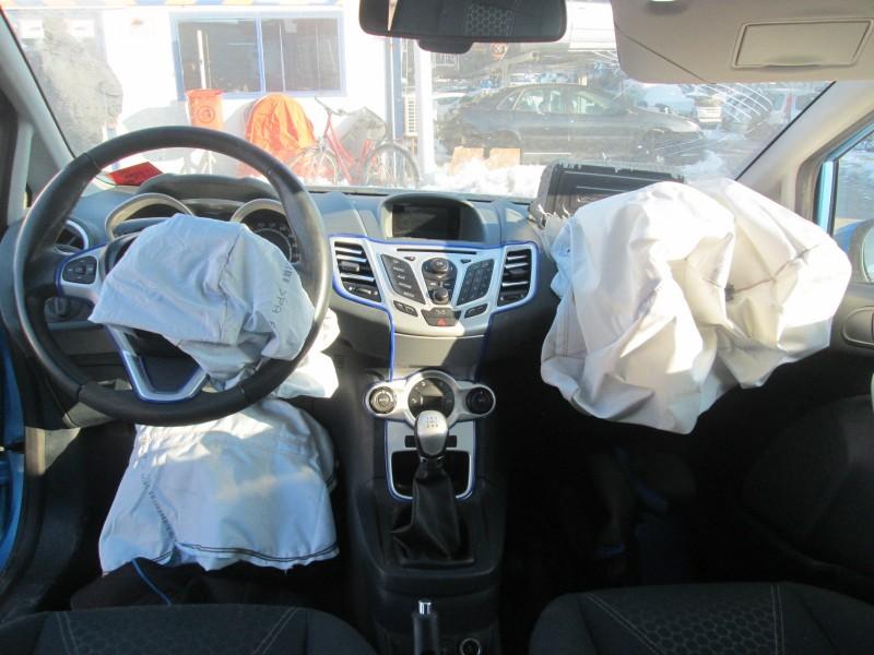 Dezmembrez Ford Fiesta - Poza 2