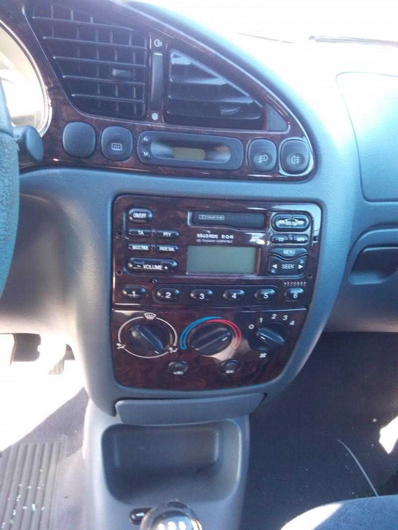 Dezmembrez Ford Fiesta - Poza 3
