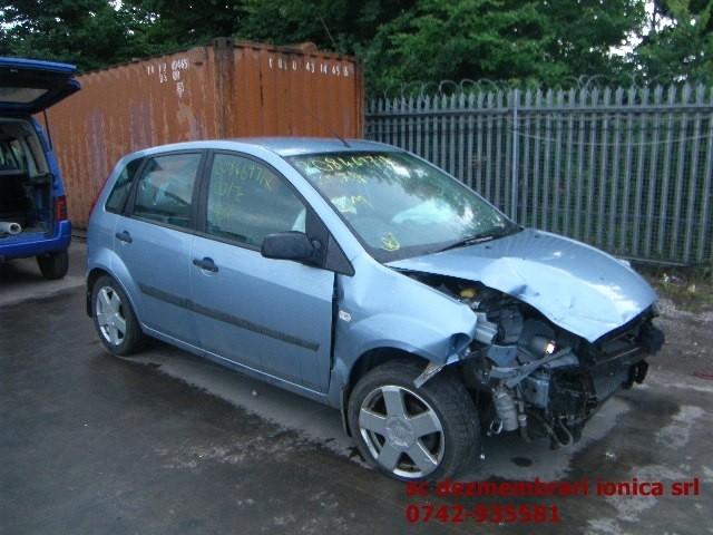 Dezmembrez Ford Fiesta - Poza 1