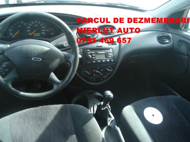 Dezmembrez Ford Focus 2000 Diesel Combi - 09 Octombrie 2012 - Poza 2