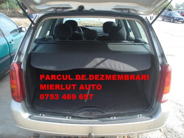 Dezmembrez Ford Focus 2000 Diesel Combi - 09 Octombrie 2012 - Poza 4