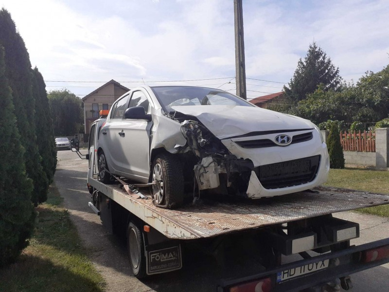 Dezmembrez Hyundai i20 - Poza 3