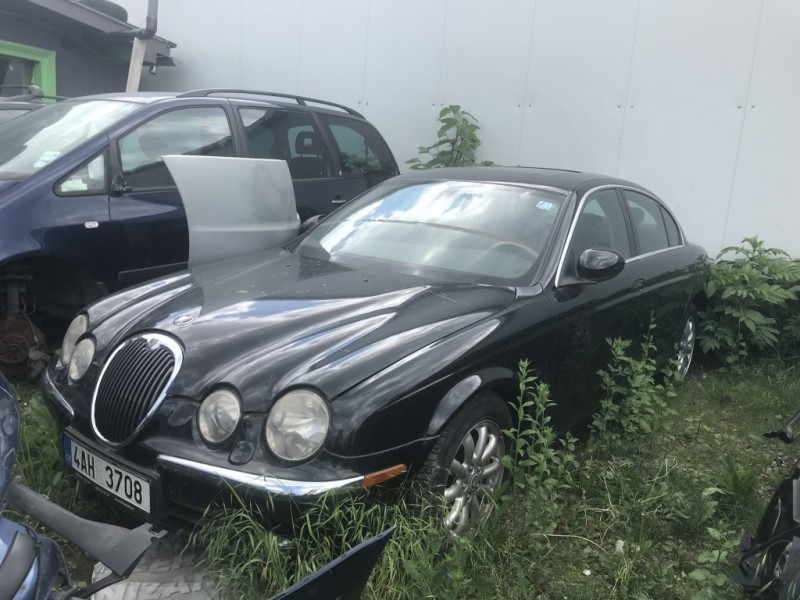 Dezmembrez Jaguar S - Poza 1