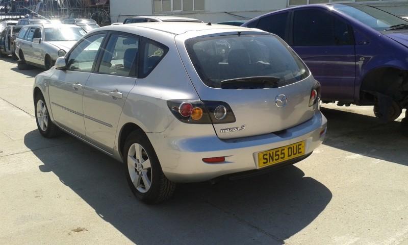 Dezmembrez Mazda 3 - Poza 2