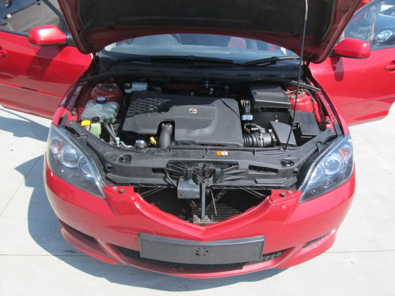 Dezmembrez Mazda 3 - Poza 1