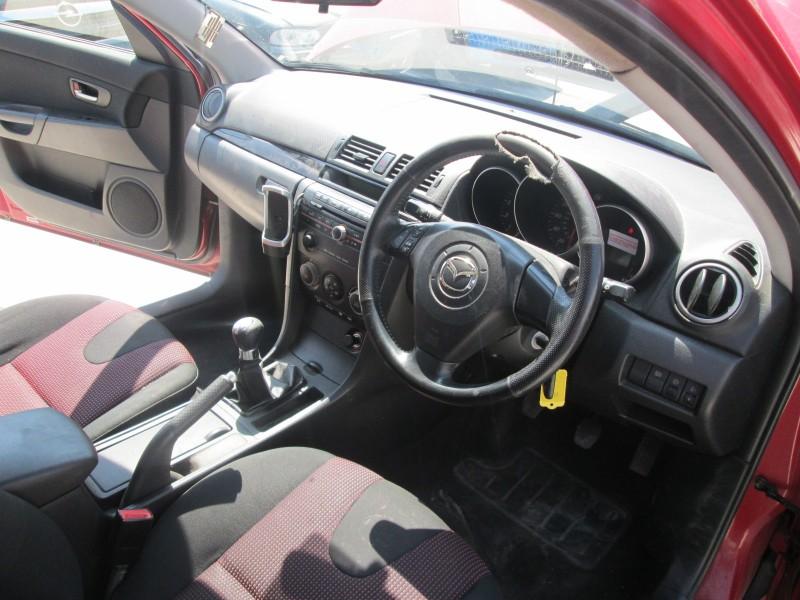 Dezmembrez Mazda 3 - Poza 3