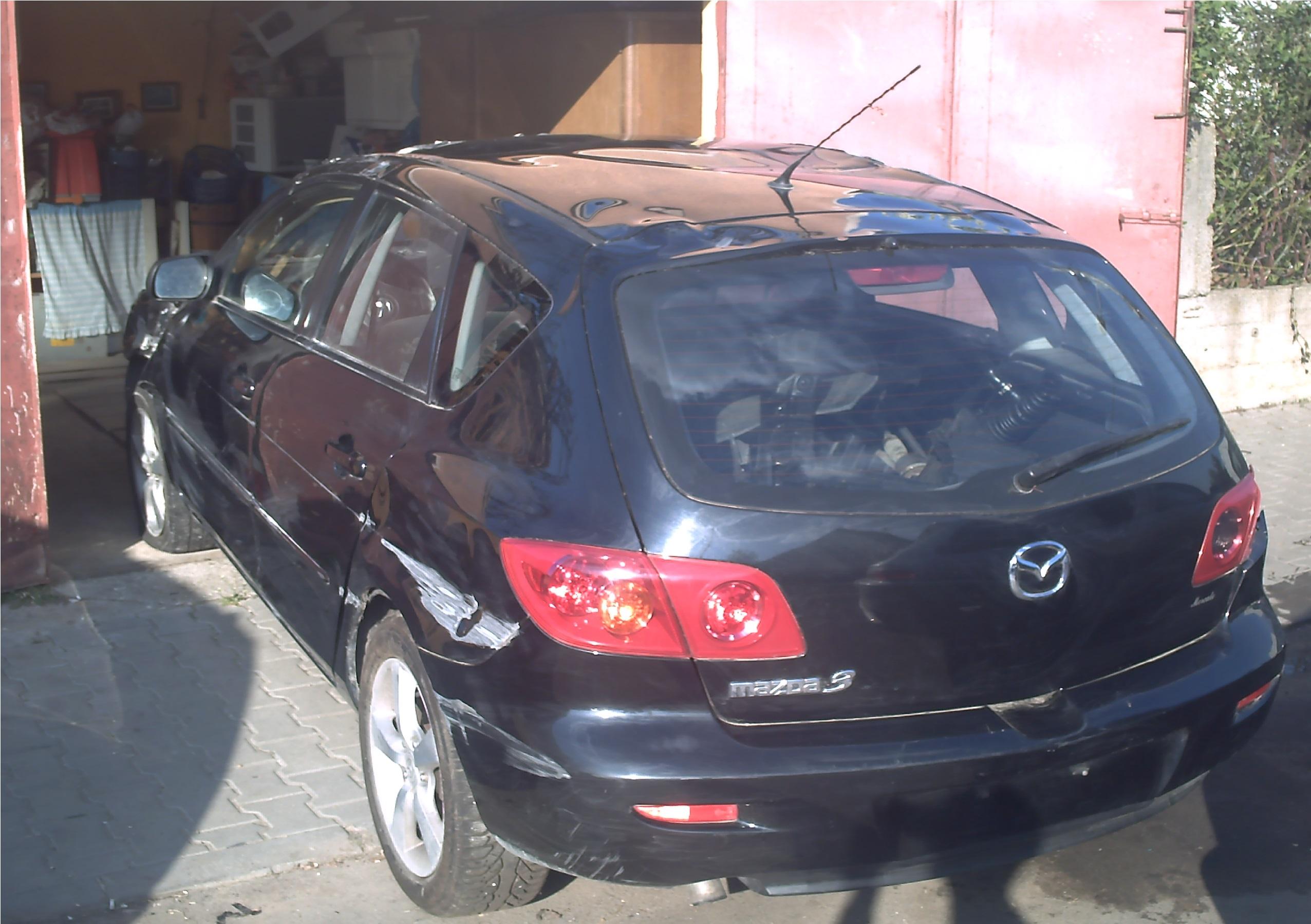 Dezmembrez Mazda 3 2005 Diesel Hatchback - 02 Mai 2013 - Poza 3