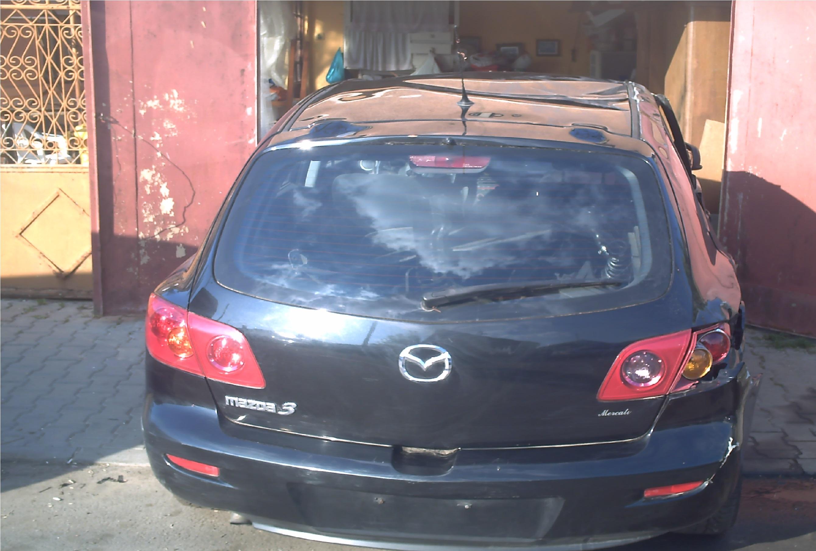 Dezmembrez Mazda 3 2005 Diesel Hatchback - 02 Mai 2013 - Poza 1