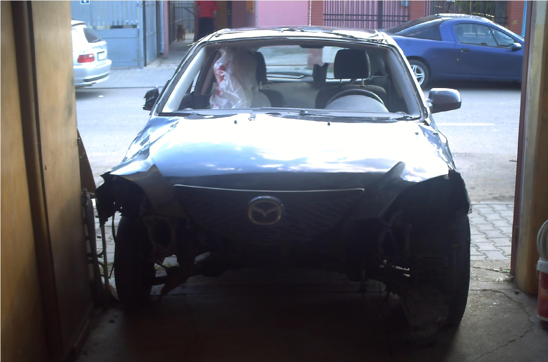 Dezmembrez Mazda 3 2005 Diesel Hatchback - 02 Mai 2013 - Poza 2
