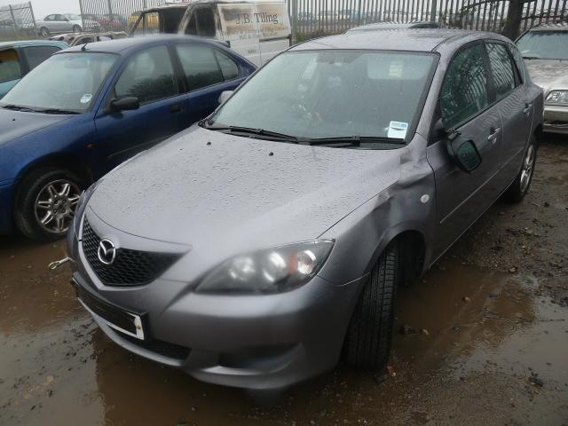 Dezmembrez Mazda 3 2006 Benzina Berlina - 23 Septembrie 2011 - Poza 3