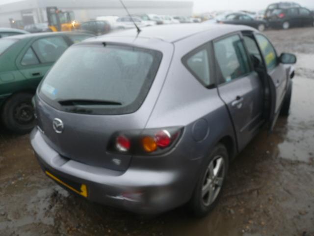 Dezmembrez Mazda 3 2006 Benzina Berlina - 16 Iunie 2012 - Poza 1