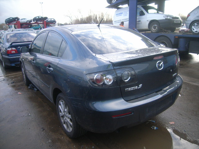 Dezmembrez Mazda 3 2009 Benzina Berlina - 28 Februarie 2012 - Poza 1
