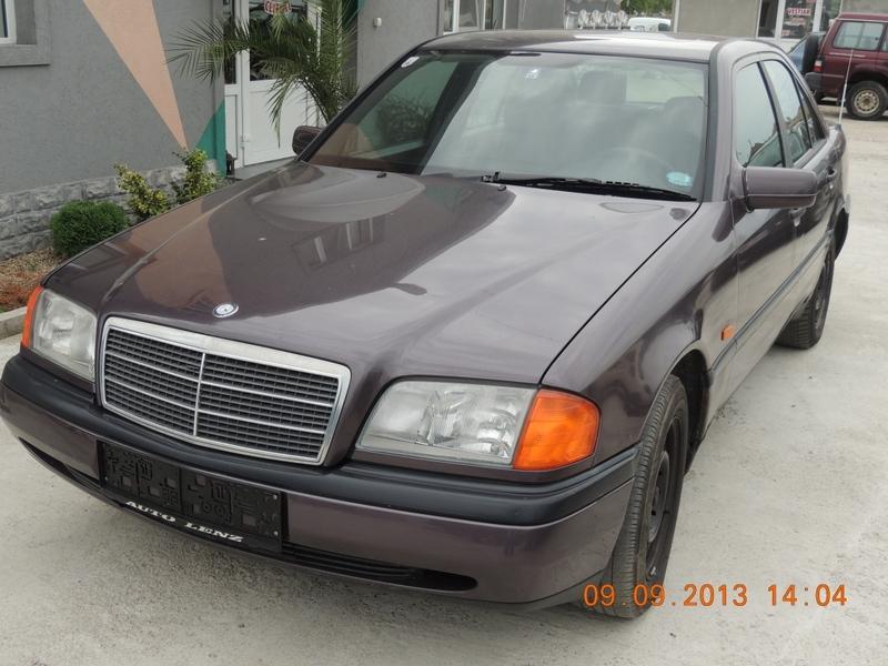 Dezmembrez Mercedes 220 - Poza 3