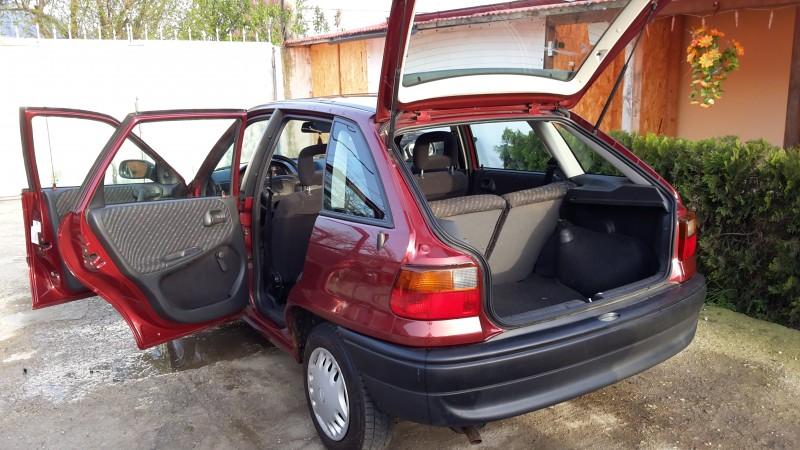 Dezmembrez Opel Astra-F - Poza 4