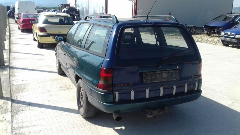 Dezmembrez Opel Astra-F - Poza 3