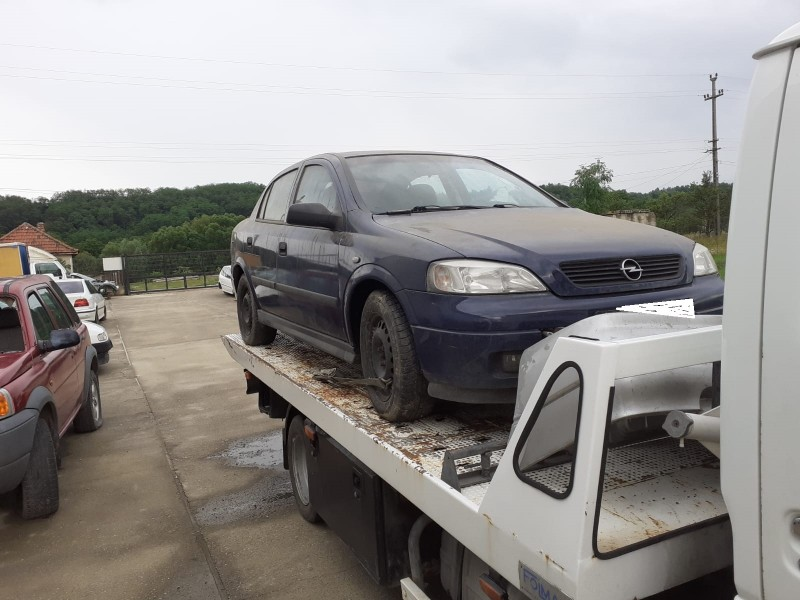 Dezmembrez Opel Astra-G - Poza 2