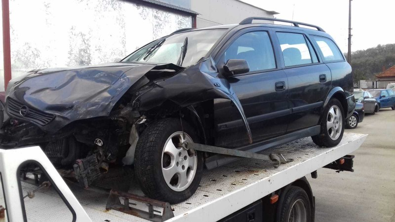 Dezmembrez Opel Astra-G - Poza 3