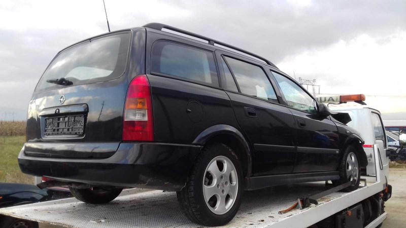 Dezmembrez Opel Astra-G - Poza 1
